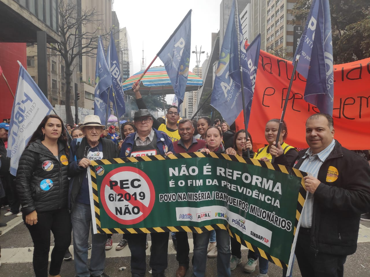 Manifestação na Av. Paulista  contra Reforma da Previdência #Fenale #Aspal #Sindap #Afalesp #Pública #PublicaSP #Fespesp #Conacate #CNSP #Assetj