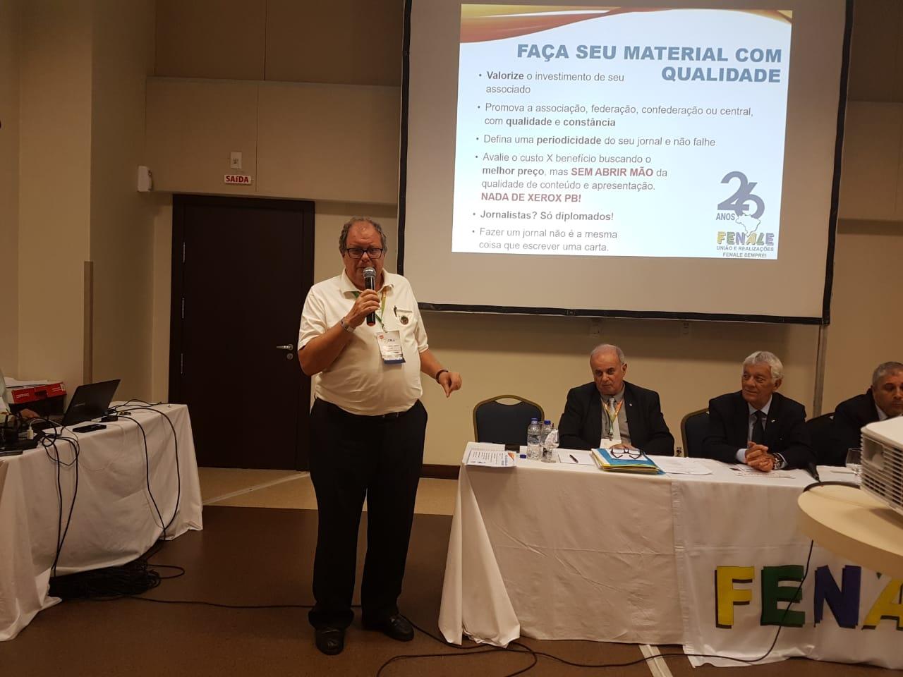 Apresentação de Gaspar  Bissolotti Neto sobre a importância da comunicação no Encontro da Fenale, em Salvador -Bahia.